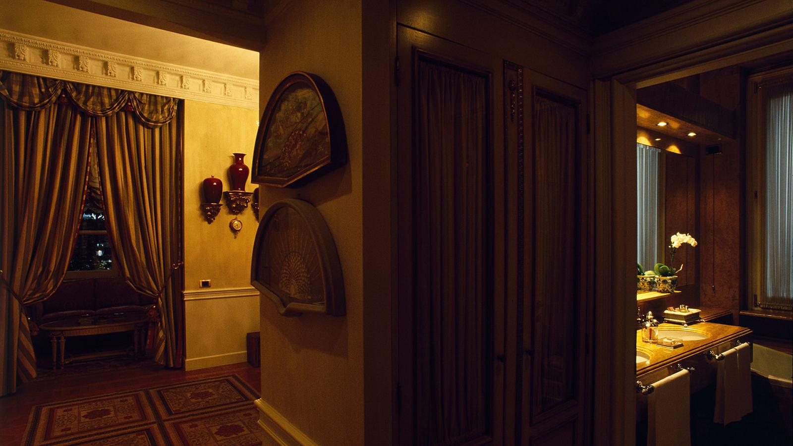 Gallery rooms hotel de la ville for Hotel de ville